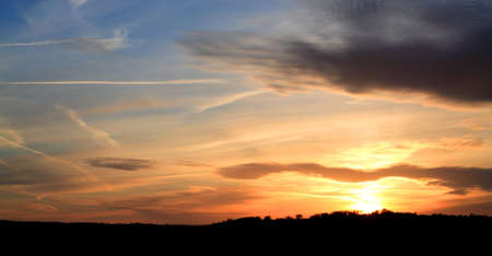 kingdom of heaven: Amazingly colourful sunset over Leeds West Yorkshire