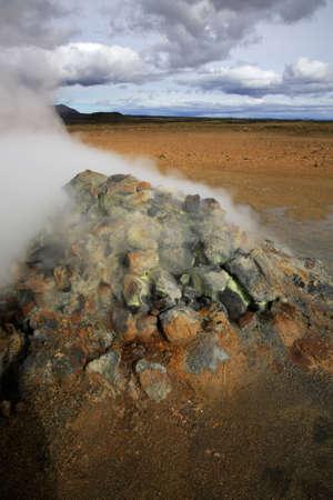 fumarole: Fumarolas de vapor Namaskaro en Islandia