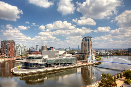 Panoramic view of Manchester from Salford Quays HDR image Archivio Fotografico