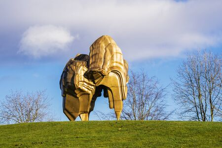 WAKEFIELD, YORKSHIRE, UK - NOVEMBER 24, 2017:  Large bronze sculpture Caldera (2008) by leading sculptor Tony Cragg in Yorkshire Sculpture Park. Editoriali