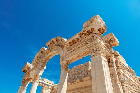 Temple of Hadrian at the Ephesus archaeological site in Turkey. Standard-Bild - 131684776