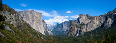 sierra nevada: Breath taking Panoramic view of El Capitan and Bridalveil Fall at Tunnel View , Mariposa County, Yosemite National Park in the western Sierra Nevada mountains.