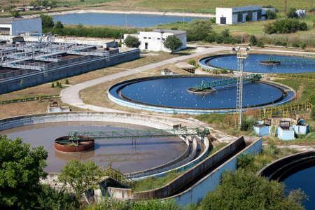 biomasa: Construcción de la limpieza para un tratamiento de las aguas residuales Foto de archivo