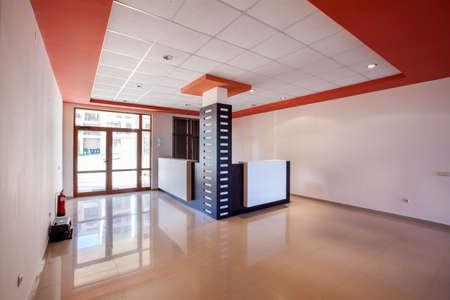 空の部屋。モダンな建物にオフィス間レセプション ホール 写真素材