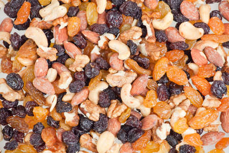 mixed nuts: mixed nuts and raisins