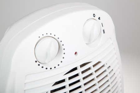 ポータブル電気ヒーターのクローズ アップ 写真素材