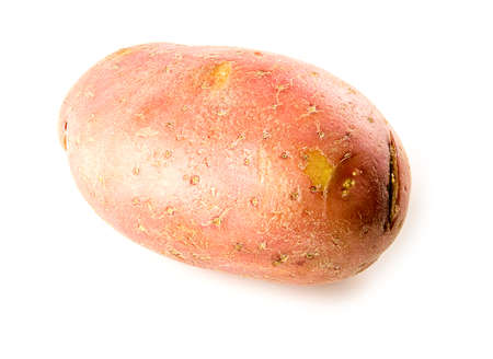 Close up of whole raw red pontiac potato isolated on white Imagens