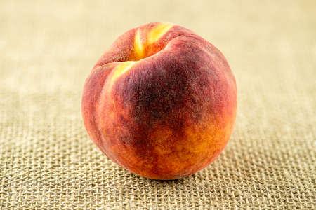 Macro of ripe sweet peach fruit Imagens