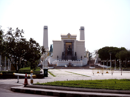 king of thailand: Statue of King Rama 1 of Thailand