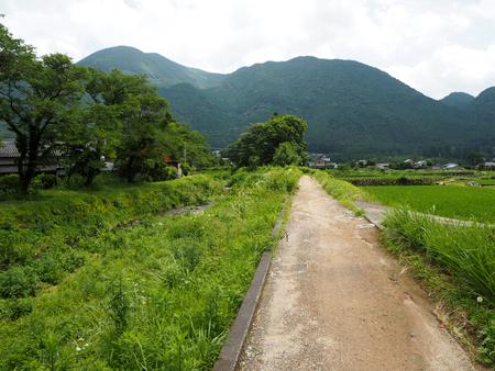 plassen: walkway in Yufuin FUKUOKA ,JAPAN BEAUTIFUL Stock Photo