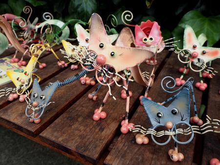 Souvenir beeldje kat gemaakt van ijzer, schattig