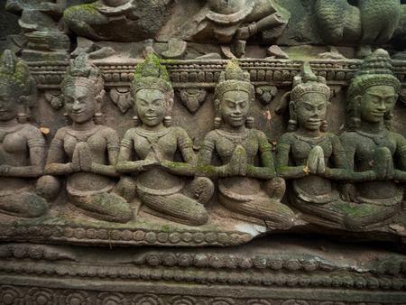 따 프롬 사원, 앙코르 와트, 캄보디아의 벽에 새겨진 압사라