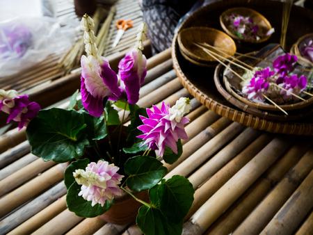 making flower garland that called Malai in Thai.
