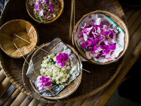 making flower garland that called Malai in Thai.