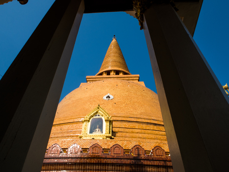 provinces: Phra Pathom Chedi the larggest bugghist chedi in the world, Thailand