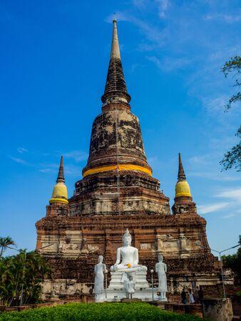 Ruin Pagoda of Wat Yai Chaimongkol in Ayutthaya ,Thailand 免版税图像