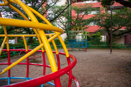 Playground equipment in the park / Spherical playground equipment (go around the jungle gym climbing, getting down and playing)