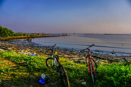 pesisir utara jakarta di pantai Marunda