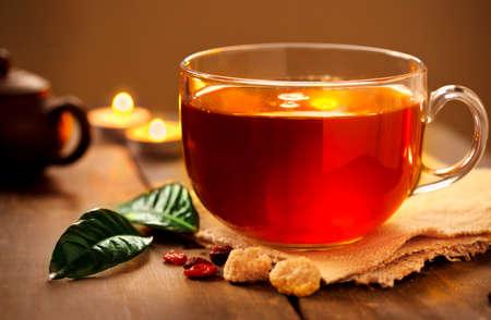 Tee am Abend mit Kerzen Standard-Bild - 22085707