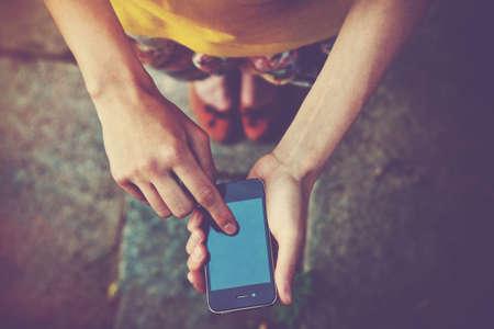 利用手中的智能手機應用程序手機短信