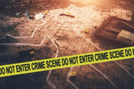 White chalk outline of killed body, blood an floor and yellow police caution tape with text - crime scene, do not enter. Murder investigation concept, toned Stockfoto