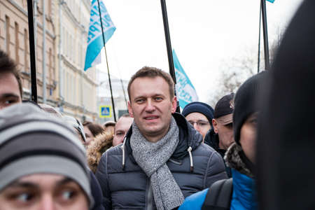 25 February 2018, RUSSIA, MOSCOW. Alexey Navalny on the march of the memory of Boris Nemtsov in the center of Moscow, The Boulevard Ring, Russia. Banque d'images - 137704163