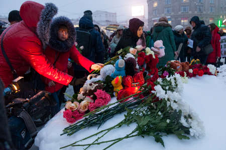 27 March 2018, RUSSIA, VORONEZH: The action of commemorating the victims of the fire in the shopping center