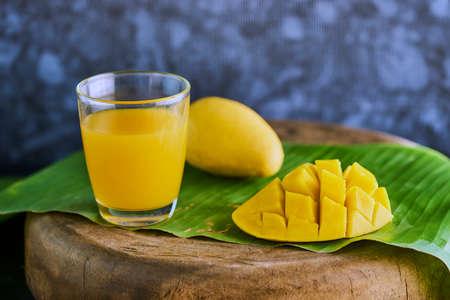 sugar palm: Fresh mango shake with mango fruit