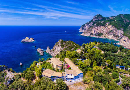 Paleokastrita 修道院は、13 世紀から。重要な観光地。コルフ島、ギリシャのケルキラ ヨーロッパ。 写真素材