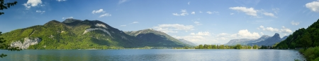 orte: Panorama photo of Wolfgangsee, Salzkammergut, Austria in sunny summer day