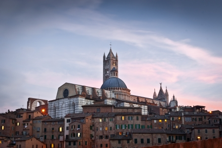 orte:  Siena Cathedral  Duomo di Siena  at twilight, Italy Historic centre of Siena