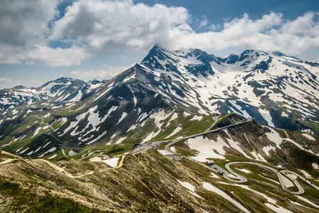 hohe tauern: Alpina road-Grossglockner Hohalpenstrasse in Hohe Tauern National Park, Austria.