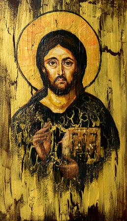 jezus: Ręcznie malowany obraz Jezusa Chrystusa Pantokratora stylizowany na stary ortodoksyjnego ikony.