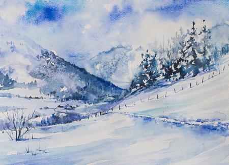 bergen van de winter landschap met bomen en over de weg naar de vallei.