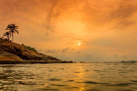 Atardecer en la playa de Kovalam, Kerala, India