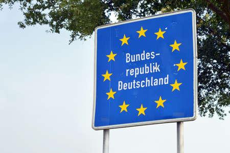 Teken op de grens van Nederland en Duitsland Stockfoto