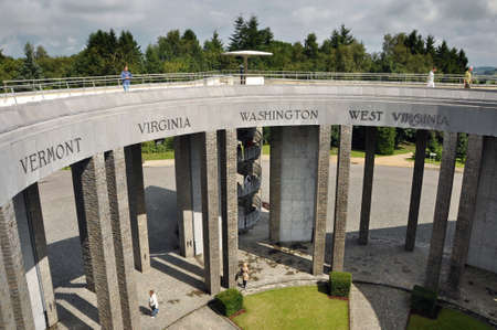 belgique: The American Memorial on Mardasson Hill in Bastogne. Erected in honor of the 76,890 American soldiers who lost their lives during the Battle of the Ardennes
