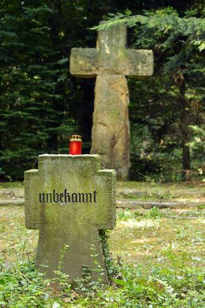 memorial cross: Soldado Desconocido - Una piedra de la tumba de un soldado alemán desconocido en Dörenther Klippen, Ibbenburen, Alemania