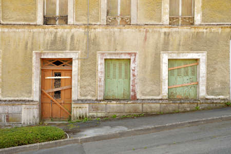 renovate old building facade: Expired house in the town of Saint Brieuc, Brittany