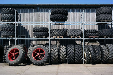 pile engine: Tractor wheels into contention with a stock for agricultural machinery