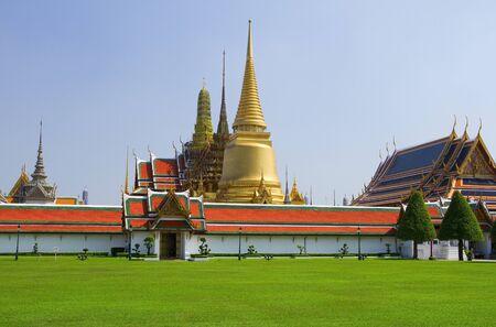 grand pa: Temple of the Emerald Buddha  Wat Phra Kaew , Bangkok Thailand