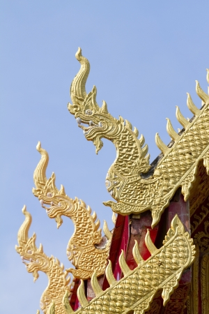 naga china: Three snake pattern on the roof of Wat Thai