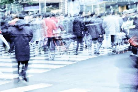 Menschen auf Zebrastreifen Straße Standard-Bild - 11624668