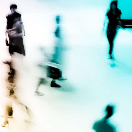 Abstrakte Geschäftsleute eilen in der Lobby blur motion Standard-Bild - 11728138