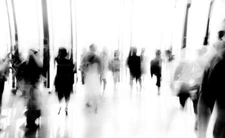 persone: uomini d'affari attività in piedi e camminare nella hall mozione offuscata astratto backgorund