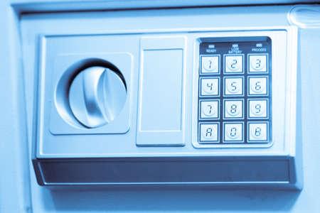teclado num�rico: de metal caja fuerte con teclado num�rico Foto de archivo