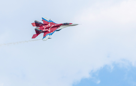 Russian fighter Mig 29 fly on the sky. Banque d'images