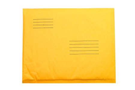 Manilla envelop geïsoleerd op witte achtergrond met clipping pad. Stockfoto