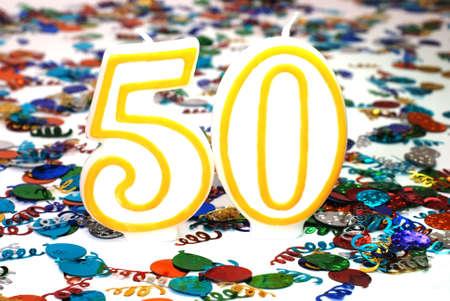 number 50: N�mero 50 con la celebraci�n vela confeti.