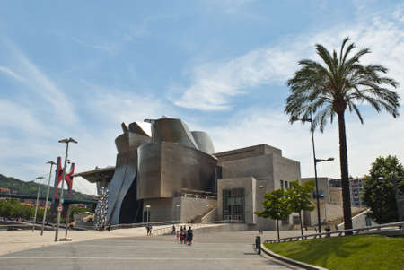 Guggenheim Museo.Museo Guggenheim Bilbao Stock Photos And Images 123rf